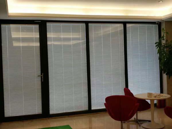 办公室玻璃隔墙,玻璃隔断优势,玻璃隔墙
