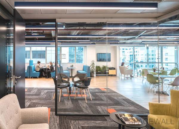 集团玻璃隔断效果图欣赏,玻璃隔断效果图,办公室装修
