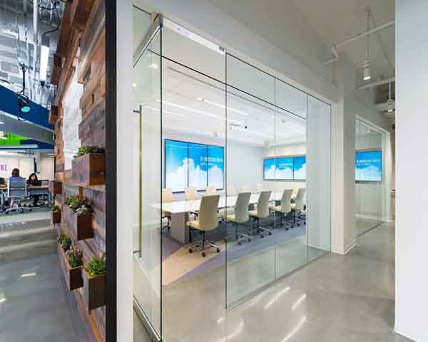 山南科技公司玻璃隔断图片欣赏