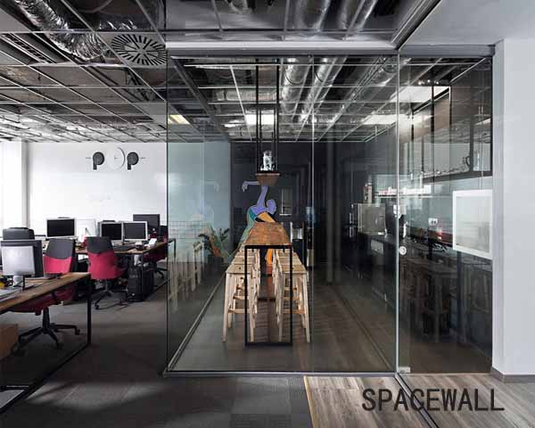 五家渠集团玻璃隔断办公设计图欣赏